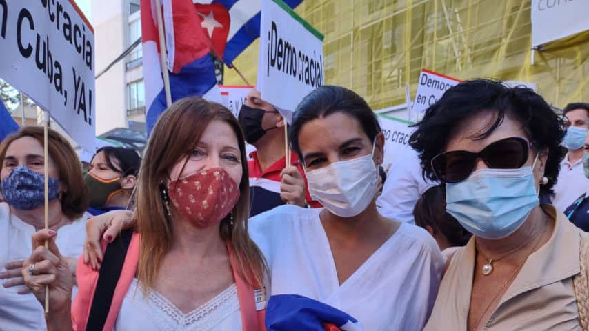 Miembros de Cataluña Suma en la manifestación en Madrid